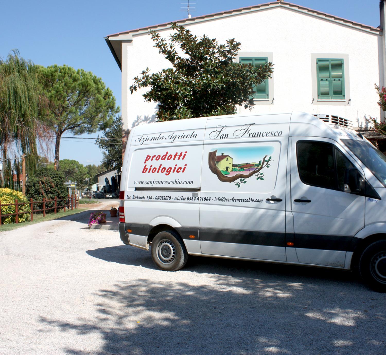 Azienda Agricola San Francesco Vendita Prodotti Alimentari Biologici online - Il furgone aziendale